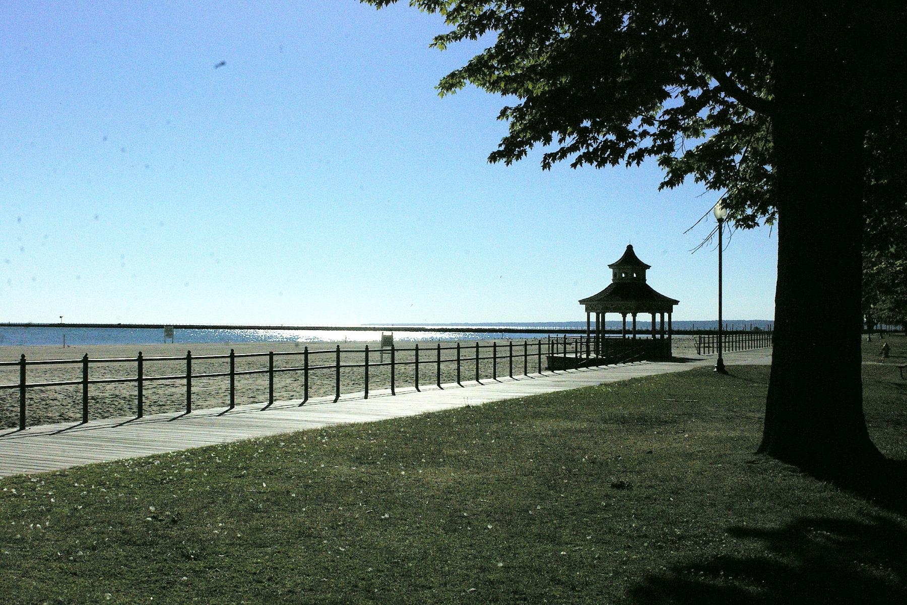 Ontario Beach2
